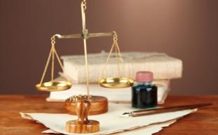 離婚裁判の費用と弁護士に依頼すべきか判断するポイント