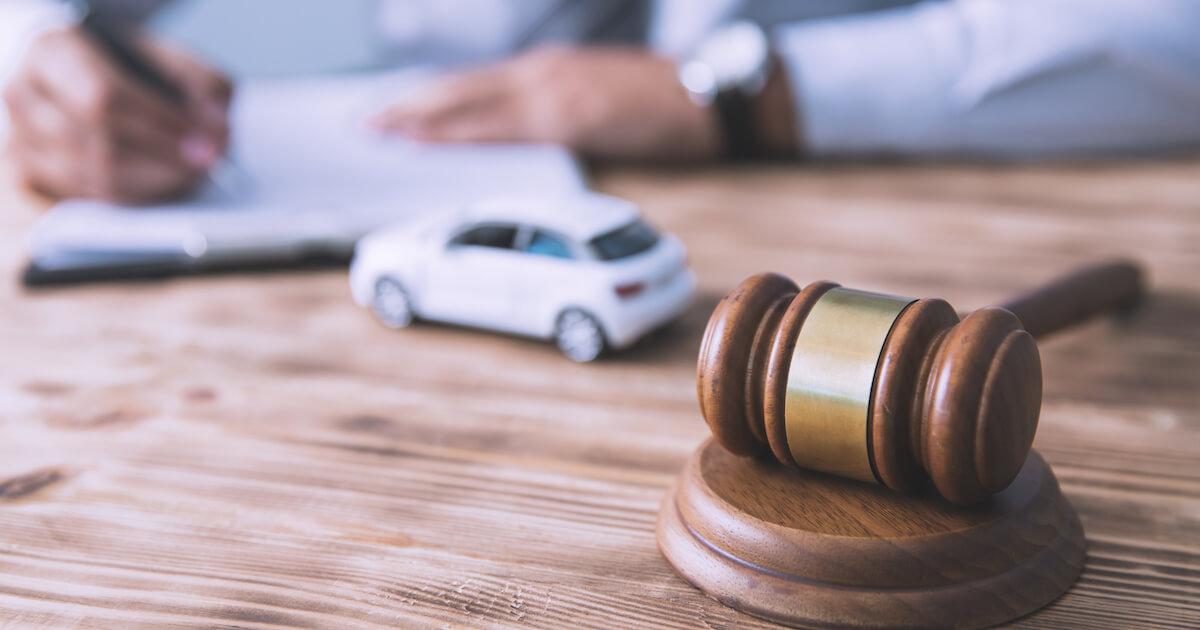 交通事故の示談を弁護士に依頼する最高のタイミングとは?