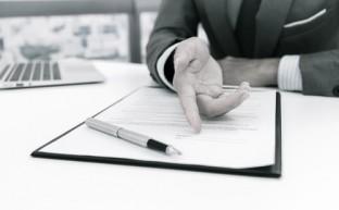 契約書は収入印紙を貼らないと無効?契約書を作成する際に知っておきたい4つのこと