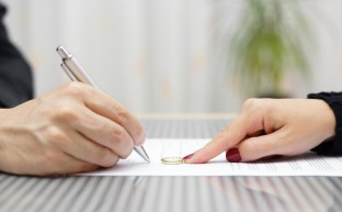 離婚届を休日に入手する方法と提出する方法6つを教えます!