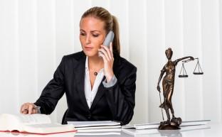弁護士?司法書士?過払い金返還請求はどちらに頼むべき?