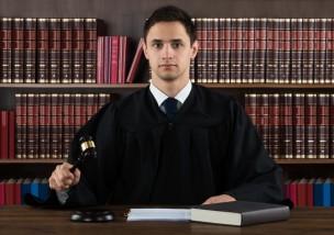 労働審判とは?ブラック企業への残業代請求に役立つ7つのこと