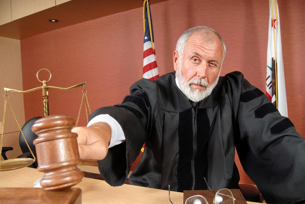 自分で労働審判をした場合にかかる費用は?