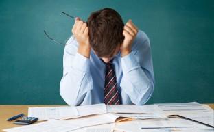 債務整理と自己破産のメリットとデメリット。あなたはどちらを選ぶ?