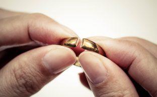 離婚をした人が離婚を決意した時とは?相手に離婚を決意させるためには