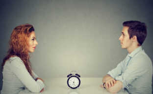 スピード離婚で知っておくべき9つのこと|新婚で離婚する理由とは?