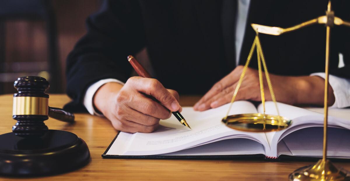 浮気相手への慰謝料請求、親権や財産分与のご相談は弁護士へ