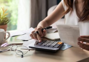 債務整理の費用をおさえて生活を楽にするために知っておくべき4つのこと