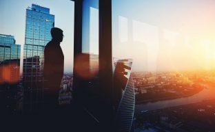 会社更生法とは?民事再生法との違いは?最適な再建手続を選ぶ方法