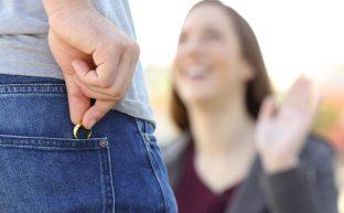 不倫は癒し?既婚者が不倫をする5つの理由と終わらせる方法
