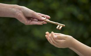 生前贈与を孫へ行う際の相続税対策など5つのポイント