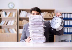 名ばかり管理職とは?残業代をもらえるかチェックする8つのポイント