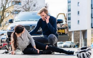 交通事故の示談交渉を徹底解説!ベストタイミングと交渉を有利に進めるテクニック