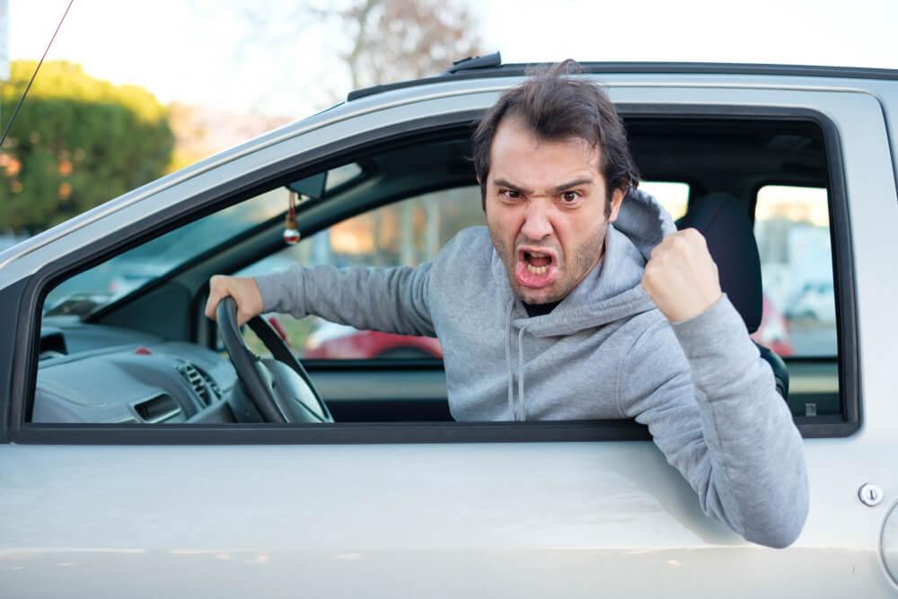 「煽り運転」の画像検索結果