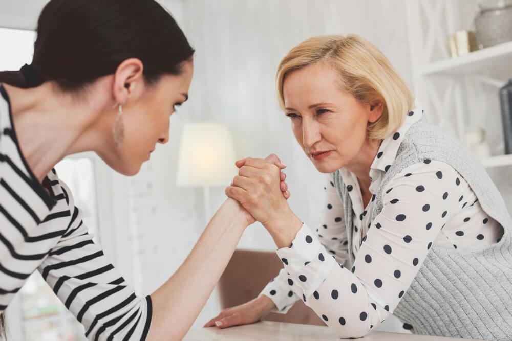 姑との同居がストレス…妻の体験談8選