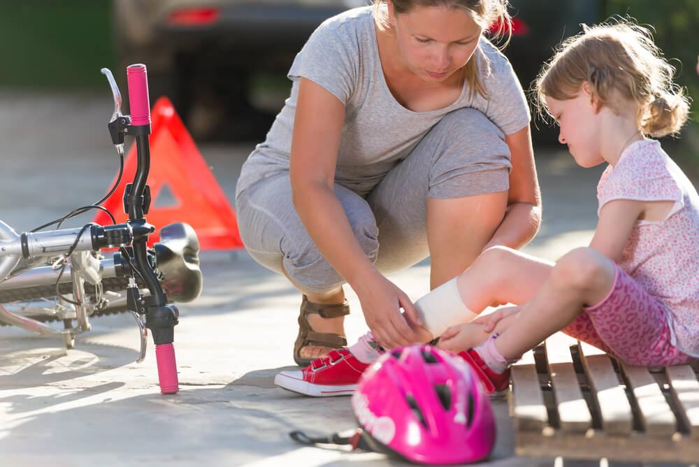 子どもを預かって事故があった場合の対処法
