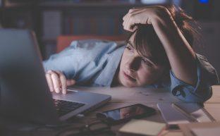 過労死とは|なぜ起こる?過労死の前兆を知り未然に防ぐための対策