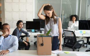不当解雇の相談先まとめ|本当に頼れる専門家へ相談するために役立つ知識