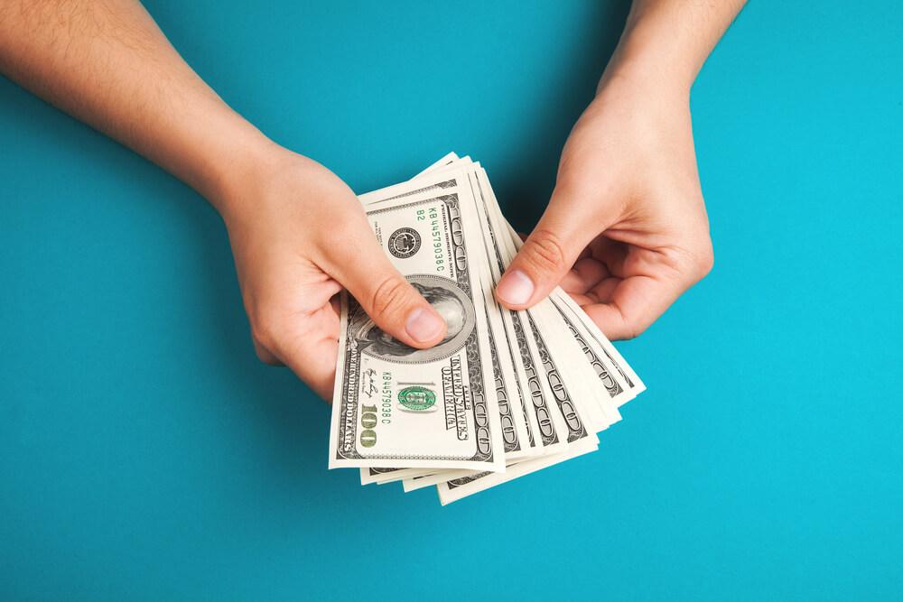 弁護士にキラキラネームの改名を依頼する費用は約30〜50万円