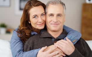 中高年の結婚で注意すべき7つのこと|事実婚のリスクや気になる相続について徹底解説