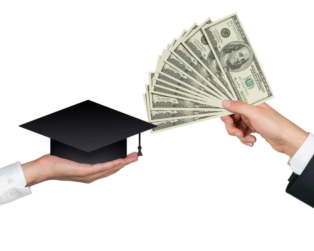 子どもが成人した以降の大学の費用は請求できる?