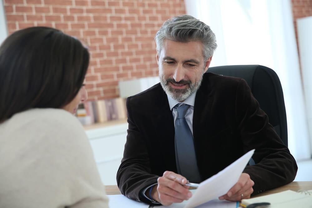離婚に関するお金のお悩みについては弁護士へ相談を