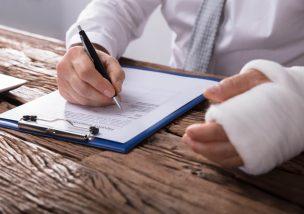 労災の申請には期限がある!申請期限と注意すべき4つのこと