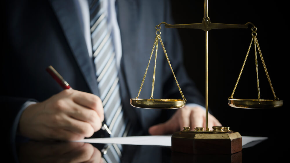 節約不倫で慰謝料を請求されたら弁護士に相談