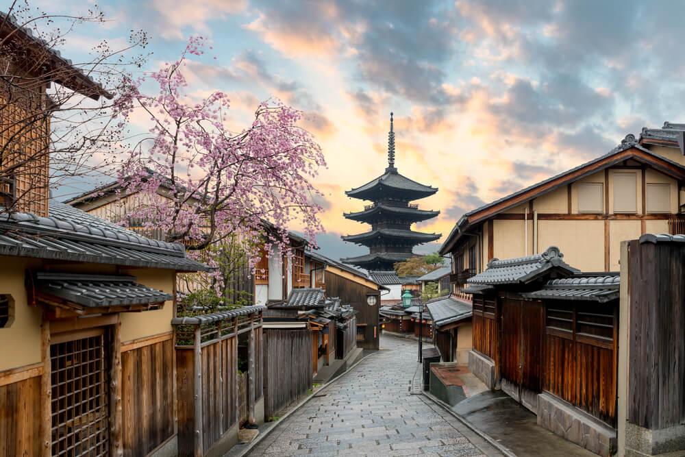 外国人観光客マナー向上に成功した京都府の例