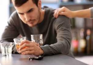 旦那 アルコール依存症