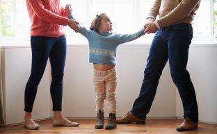 親権争いで裁判へと発展…訴訟準備と親権獲得のために心得るべきこと