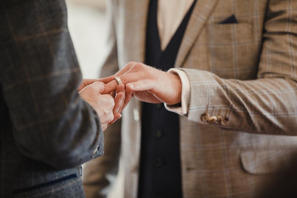 世界の同性カップルの結婚事情について