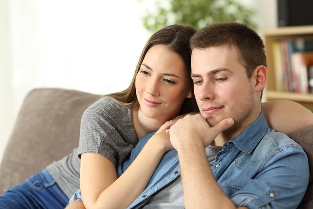 妻の不倫に気づいたときに夫がとる行動