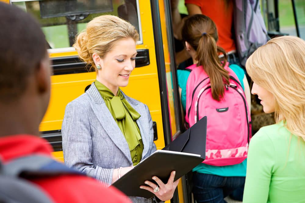 なぜ教師の残業代はほとんど出ないのか