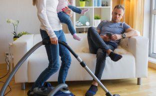 旦那が現在無職で不安…子供もいる中この状況をどう乗り切ればいいの?