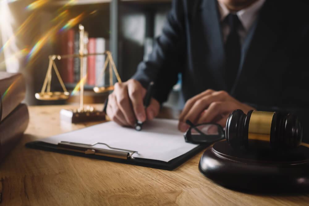借金でお困りのときにはできるだけ早く弁護士にご相談ください