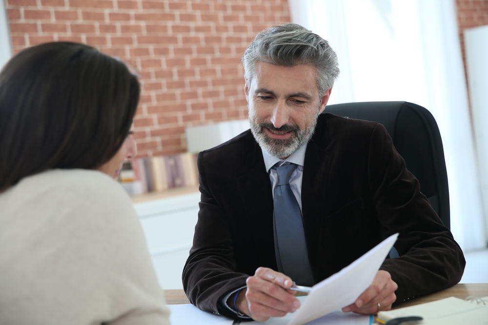 依頼する弁護士を決める際のポイント