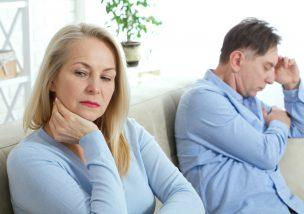 熟年離婚の慰謝料の相場は?離婚問題や財産分与について解説