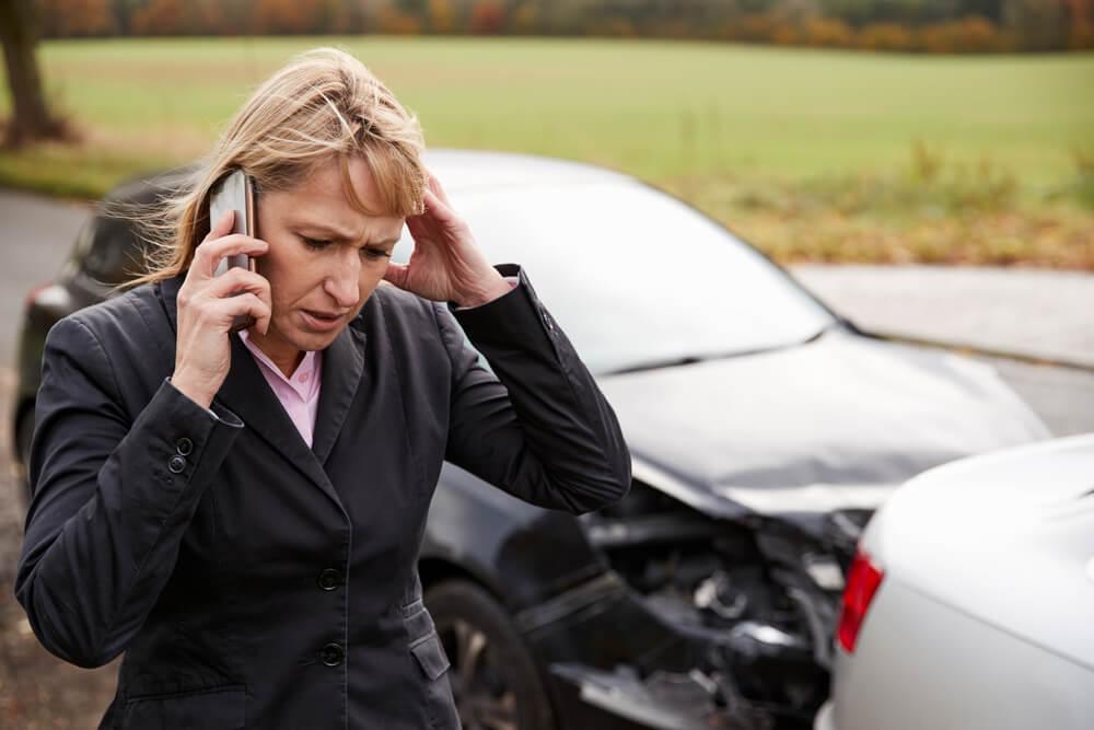 営業車で従業員が事故を起こしたらどうなる?会社として知っておきたい責任の所在などを解説