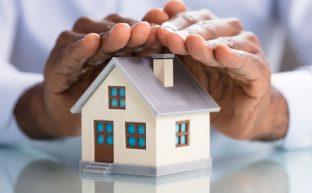 家を相続したらどうなる?名義変更の手続きや相続税の負担を解説!