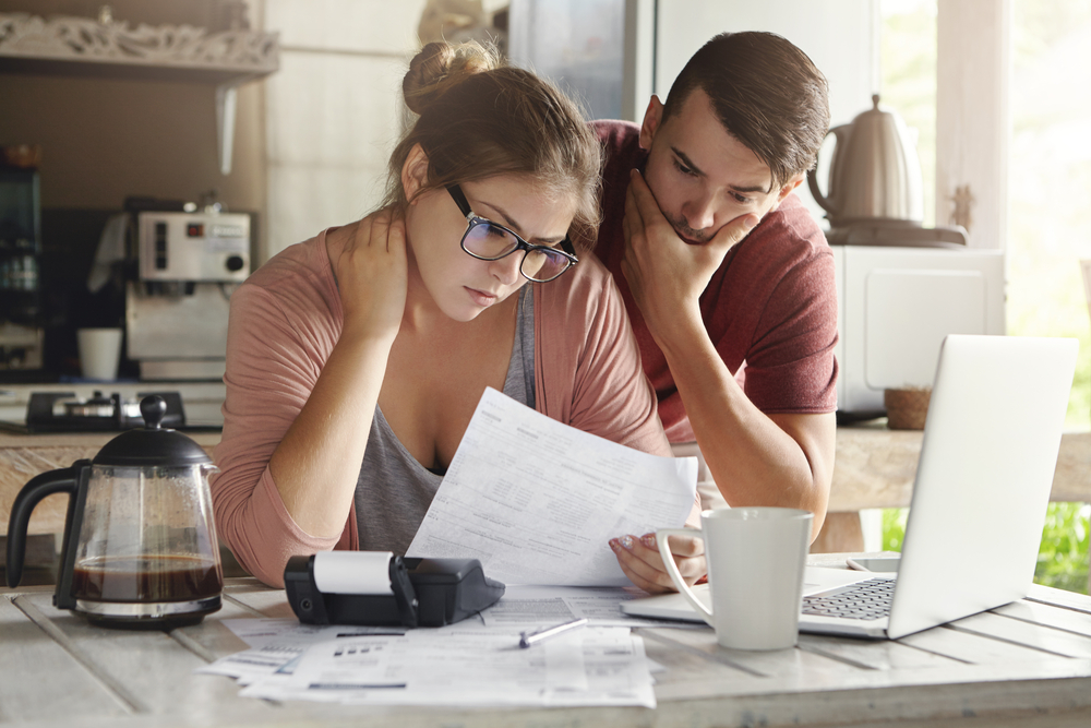 生活苦と借金問題