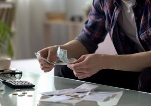 経営者必読!労働条件の不利益変更を行うことによるデメリットと円滑に労働条件の不利益変更を行う方法