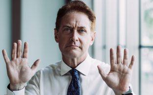 出頭と自首の違い|出頭するメリットと無視するリスクとは?