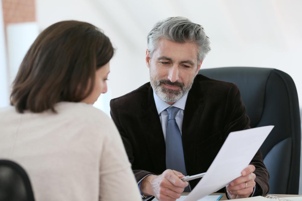 自己破産は弁護士に依頼して手続きをした方がよい4つの理由