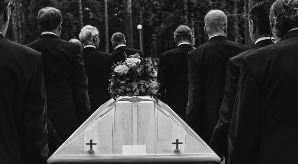 死亡手続きの流れについて~身内を亡くしたときの要手続き項目一覧