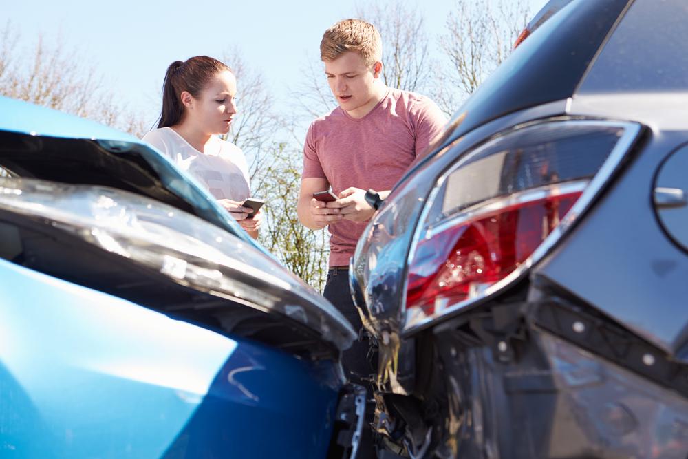 交通事故発生から解決までの大まかな流れと期間