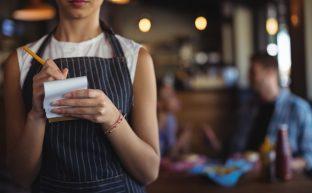 飲食店って残業代でないの?6つの誤解を解きほぐす