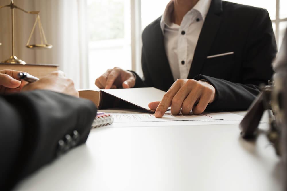 コロナ不況を理由にした従業員の解雇|絶対に知っておくべき3点を弁護士が解説