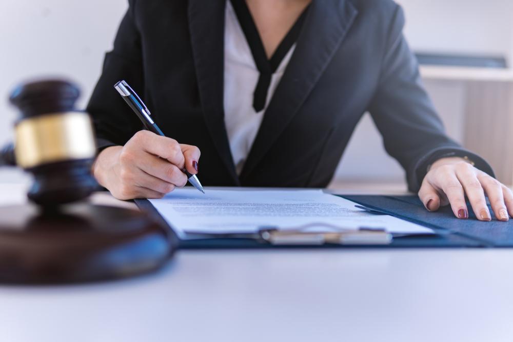 遺産分割協議書の作成が難しいときには専門家に依頼できる