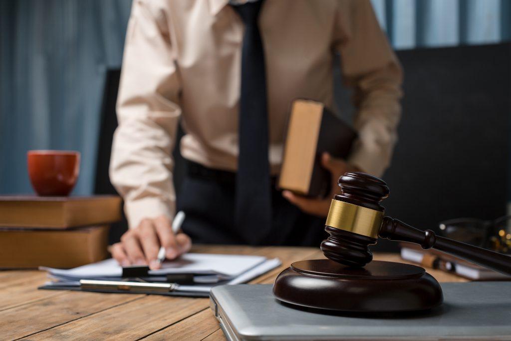 コロナ禍で会社とトラブルになったら弁護士に相談を
